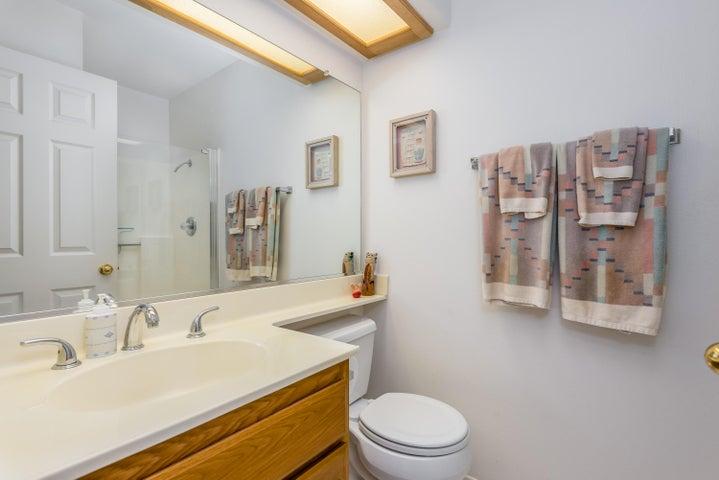 23-Bathroom 3