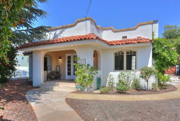 Vintage Spanish  Home with front porch!