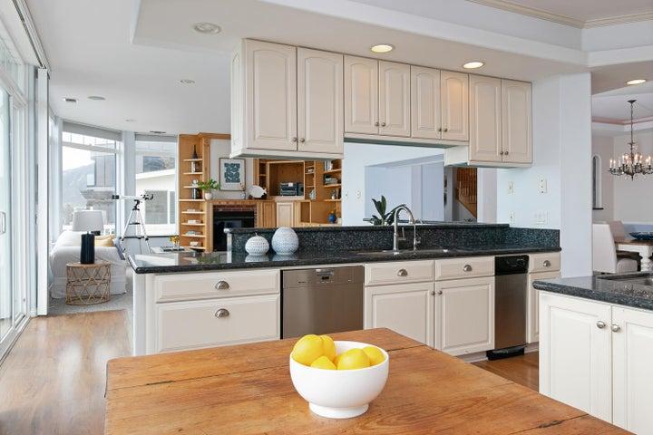 2972 Solimar Beach Dr-016-008-Kitchen-ML
