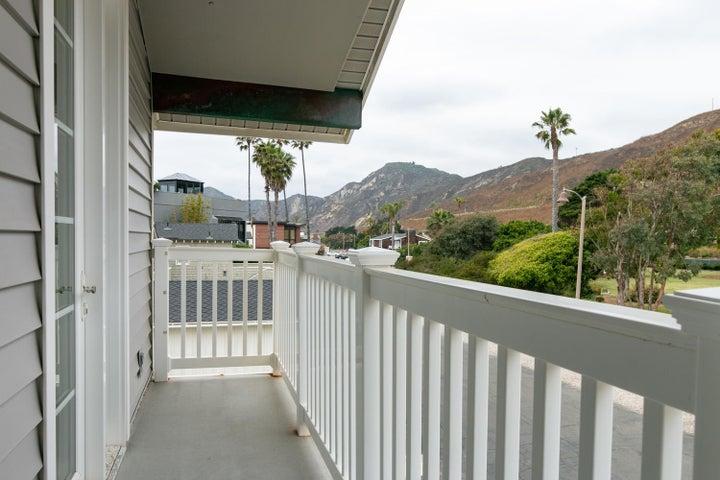 2972 Solimar Beach Dr-038-048-Balcony-ML
