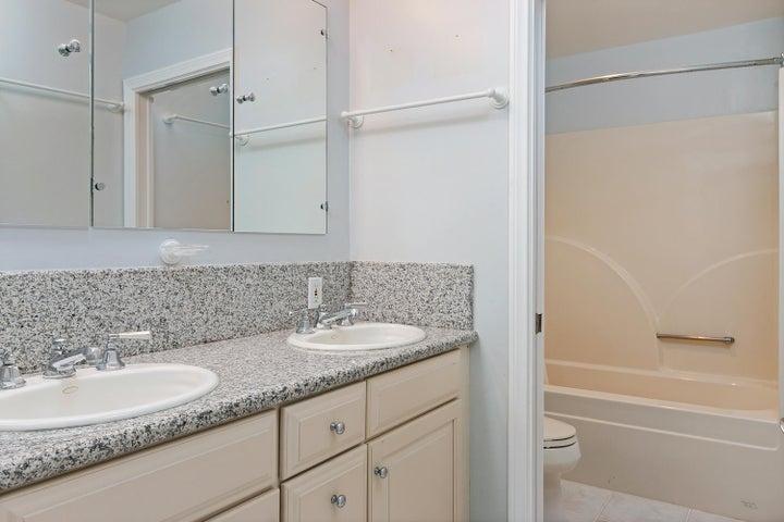 2972 Solimar Beach Dr-039-010-Bathroom-M