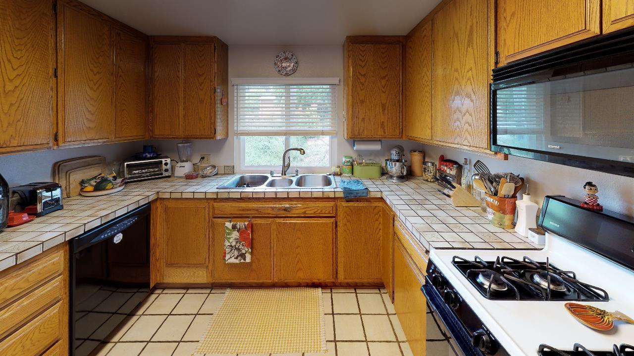 50-Watkins-Kitchen(1)