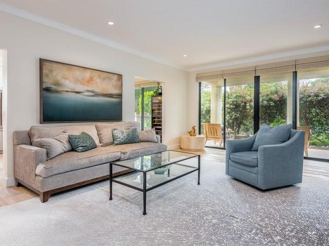 005_03-Living Room