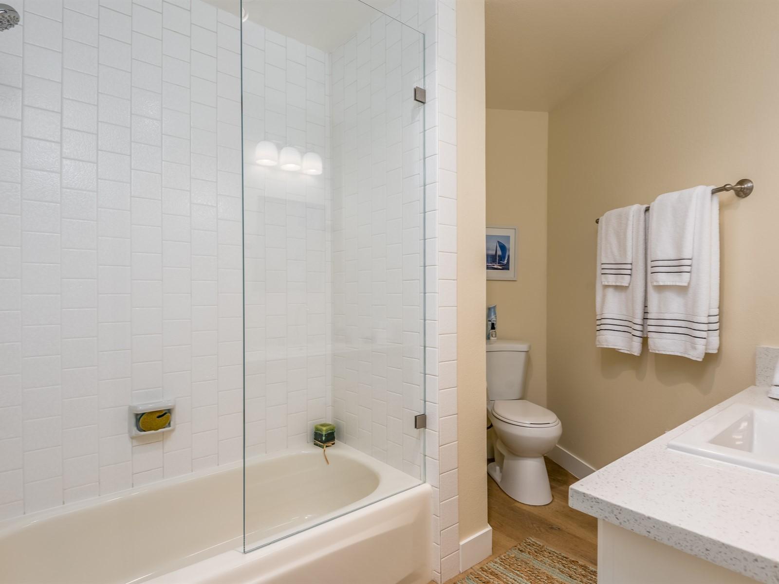 023_21-Bathroom 2