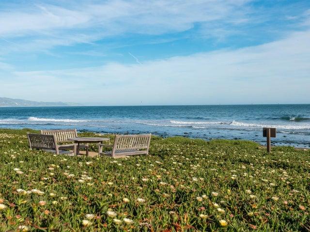029_27-Beach
