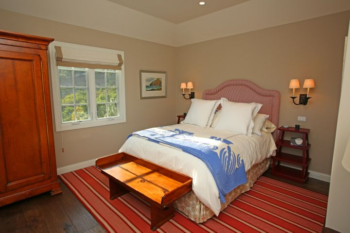 26Guest House Bedroom