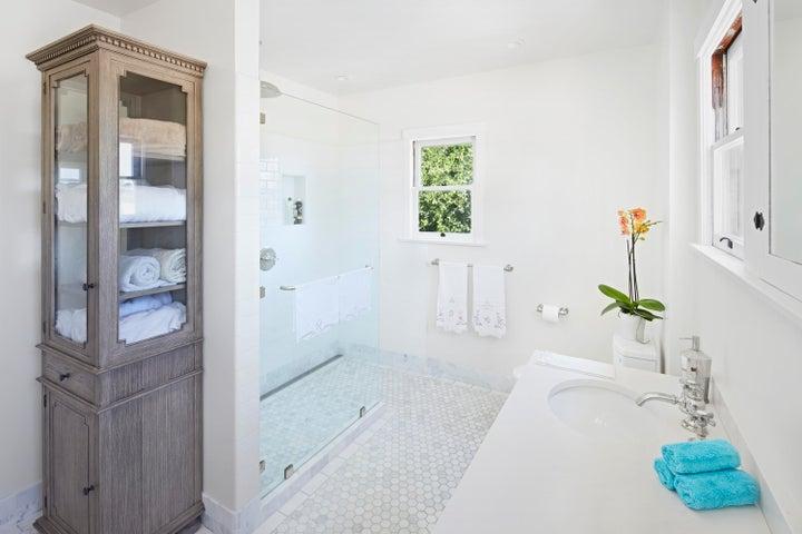 22_los_olivos_master_bathroom_final17