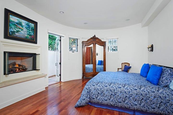 210_e_figueroa_st_master_bedroom_final17