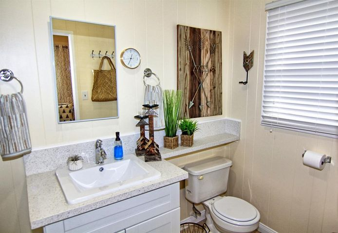27. Guest house bath