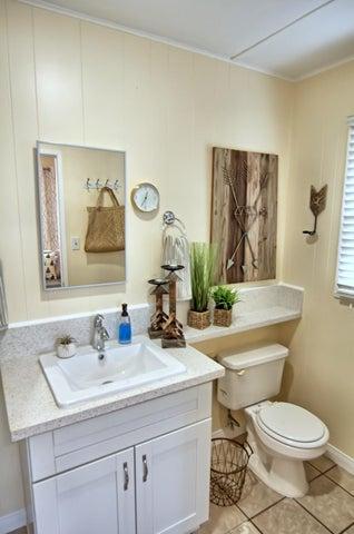 28. Guest house bath