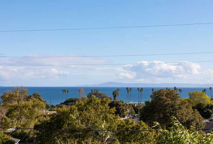 327 Pacific View_0006