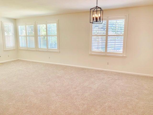 3 living roomblank