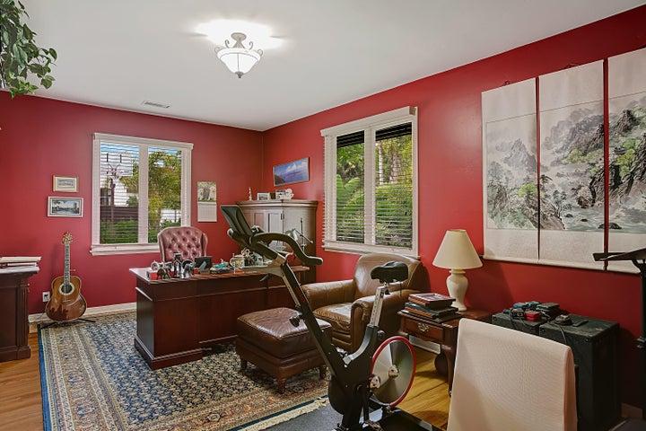 Den/Office or 5th bedroom