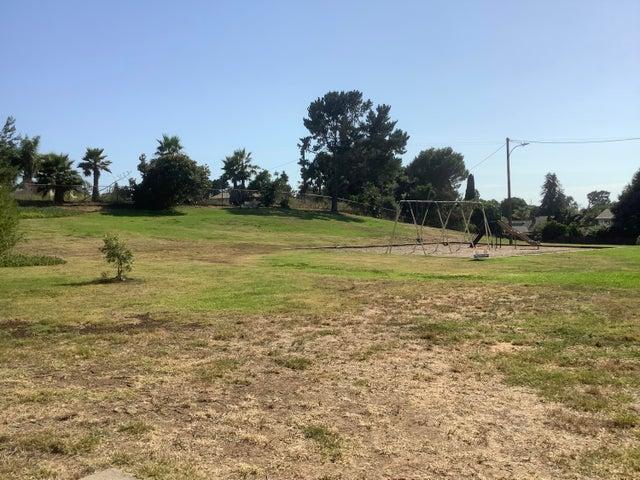 Swings in park IMG_0115 (2)
