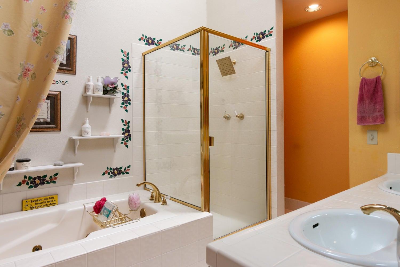 266 Camino Toluca-016-17-Master Bath-MLS