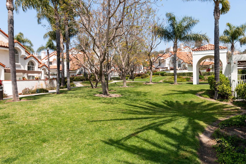 266 Camino Toluca-032-34-Common Area-MLS