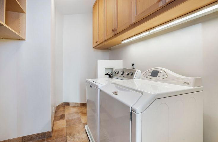 In-unit Laundry room