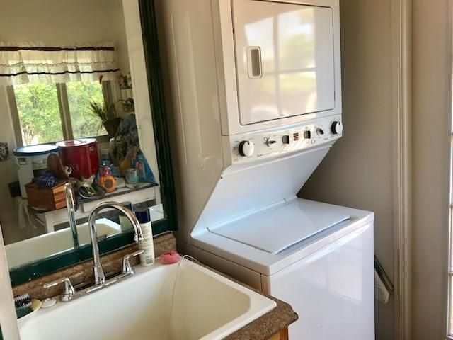Olive Utility sink in laundry room