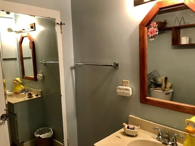 Olive 3rd bathroom