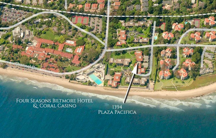 14_1394 Plaza Pacifica aerial straight d