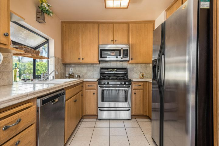 580 Holmes Ave-006-007-Kitchen-MLS_Size