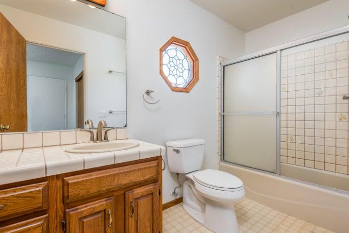 21-Bathroom 3