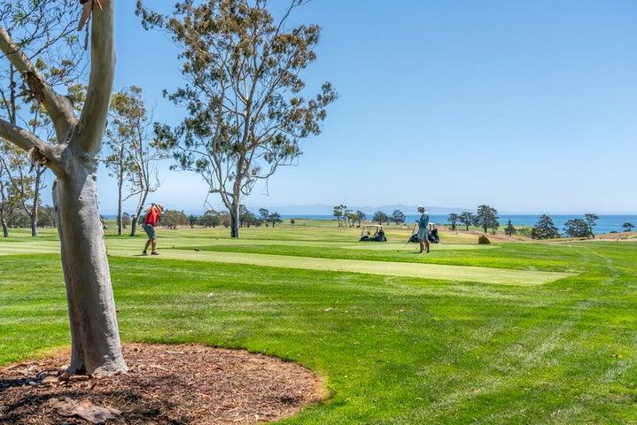 Sandpiper Golf Course Nearby
