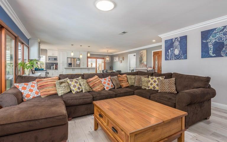07-Living Room (2)