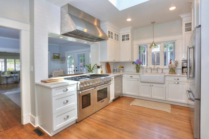 Wow Kitchen!