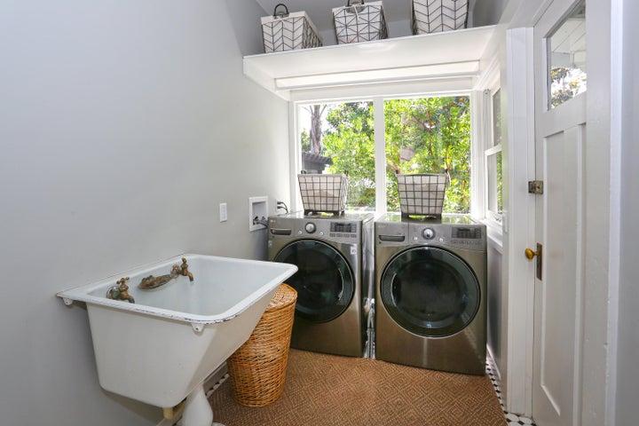 Laundry Room Cast Iron Sink