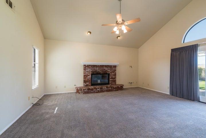 Living Room & Fireplace