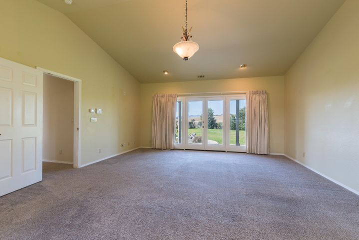 Master Suite - Opens to Back Yard