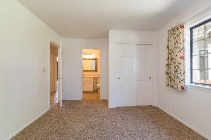 Bedroom 2 - Suite