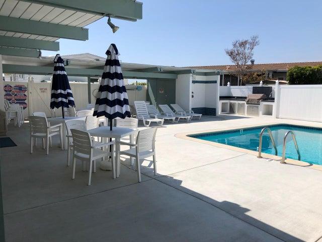 Pool, BBQ Area