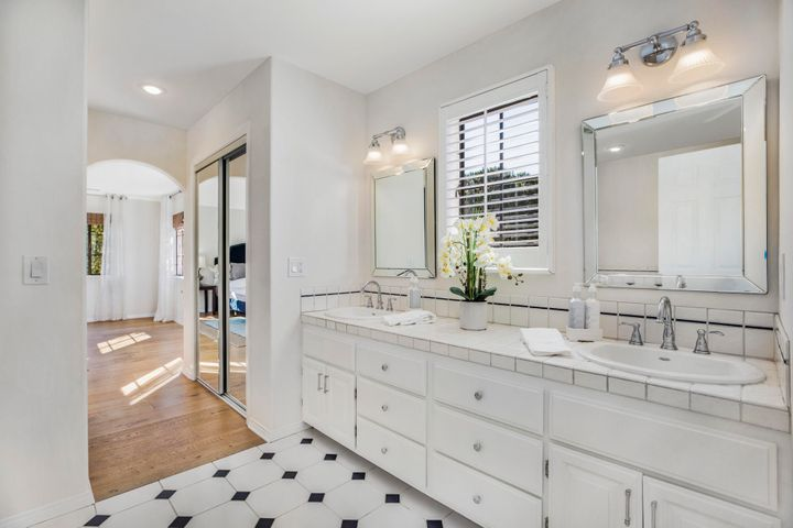 Bright and airy bathroom