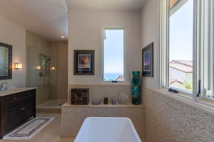 Ocean view from luxurious bath