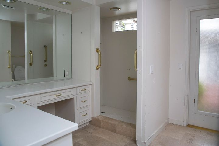 Monte Cristo lane master bathroom #1