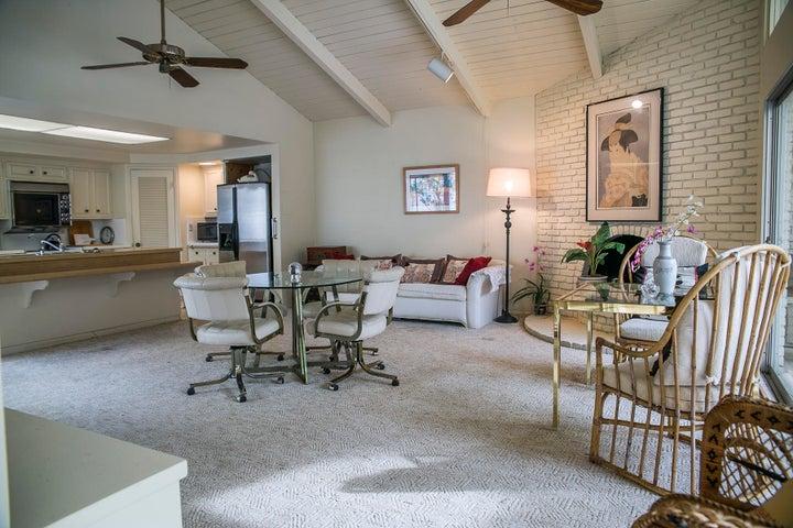 Monte Cristo lane family room #1