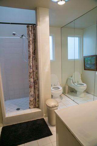 Monte Cristo lane bathroom #3