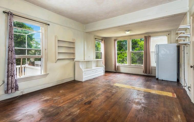 Upstairs bedroom / unit