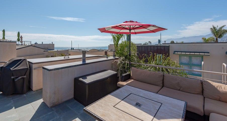 15-Rooftop Deck
