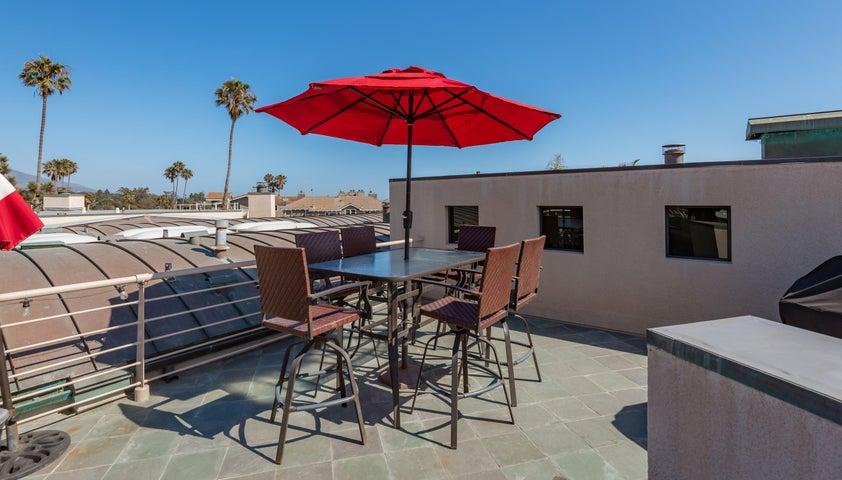 16-Rooftop Deck