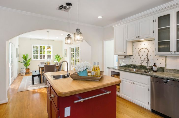 Bright and Airy Gourmet Kitchen