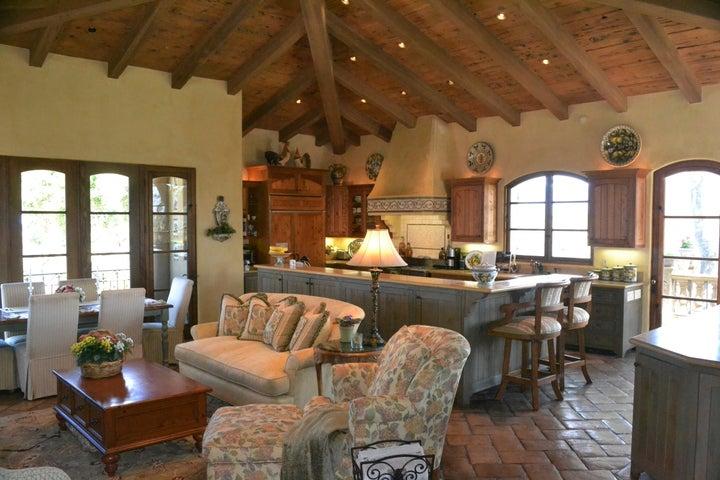 Grand room & Kitchen