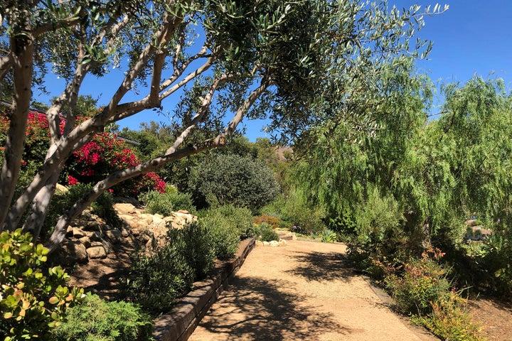 18_Meandering gardens 1