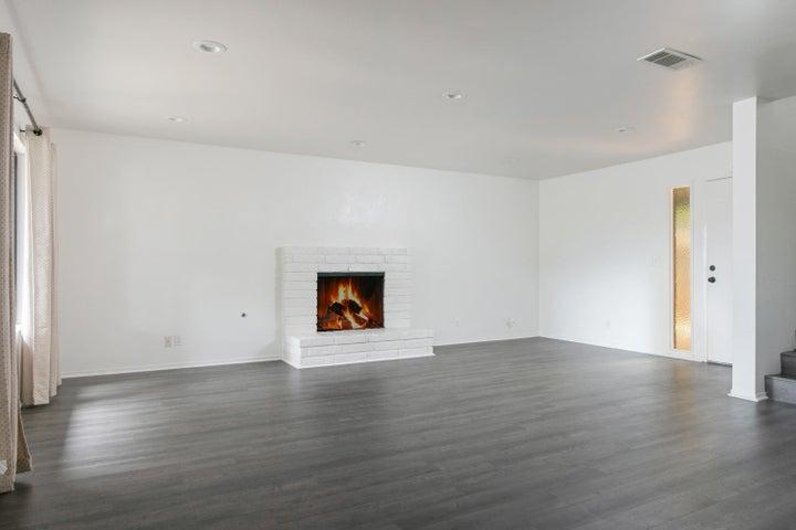 4409 Catlin Cir-005-009-Living Room-MLS_