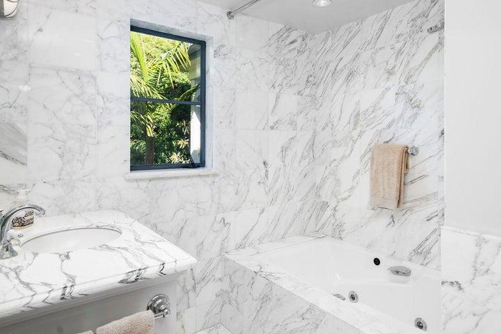En Suite Bath at Guest Bedroom