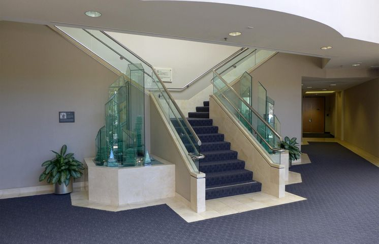 5383 Hollister Ave - stairs