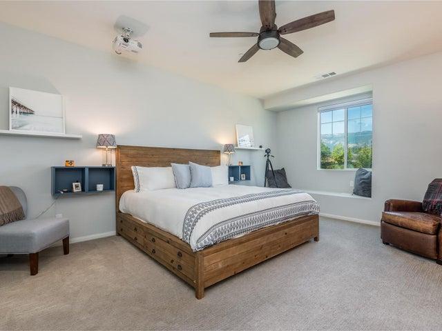 010_10Master Bedroom