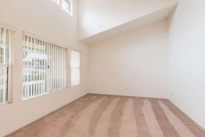 1125 Arnold Ave Lompoc CA-small-008-018-